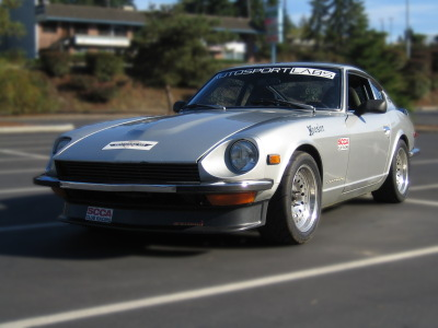 240z left rear 3quarter 400px.jpg